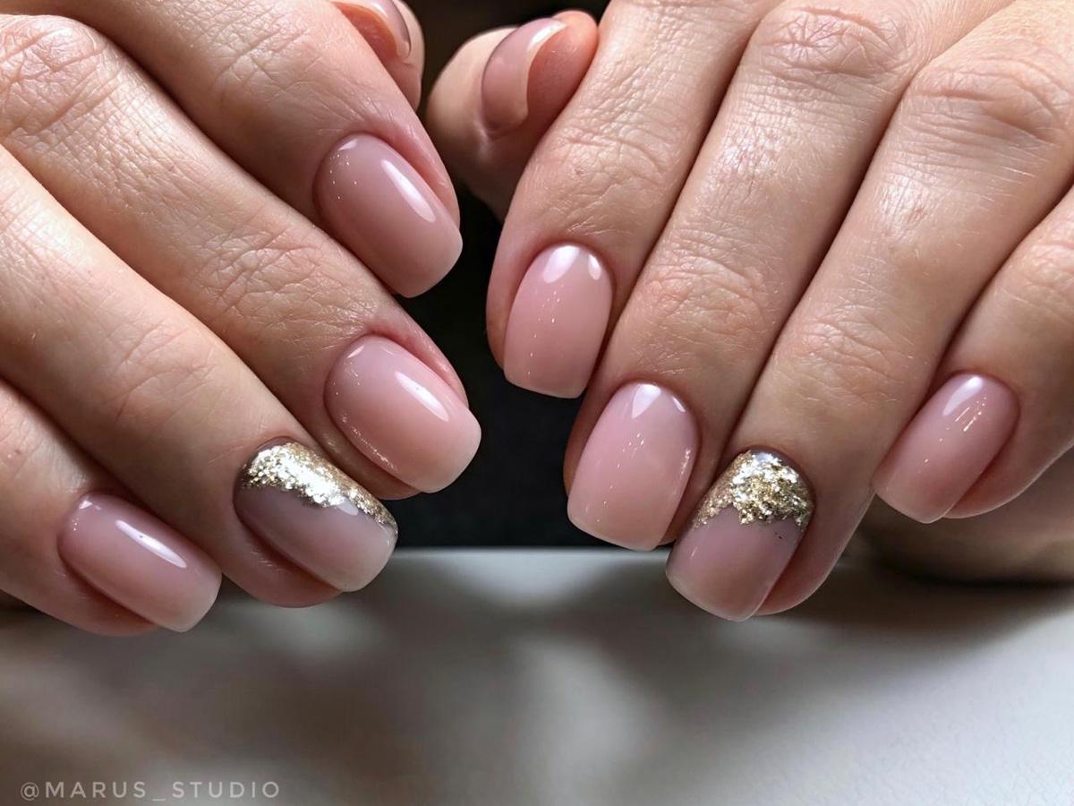 Наращивание ногтей в студии Марус