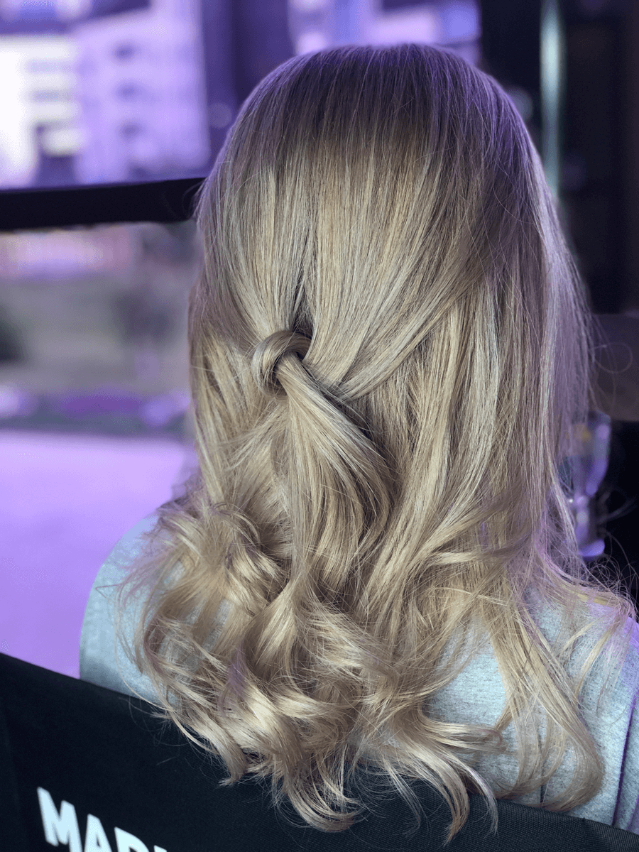 Услуги на длинные волосы в студии Марус