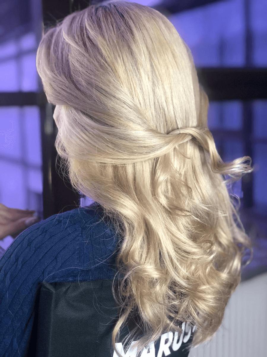Стрижки на длинные волосы в студии Марус